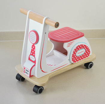 heart-red wooden retro scooter